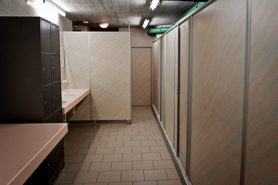 Toilets and bathroom facilities - Camping Rania - Zillis - Graubünden